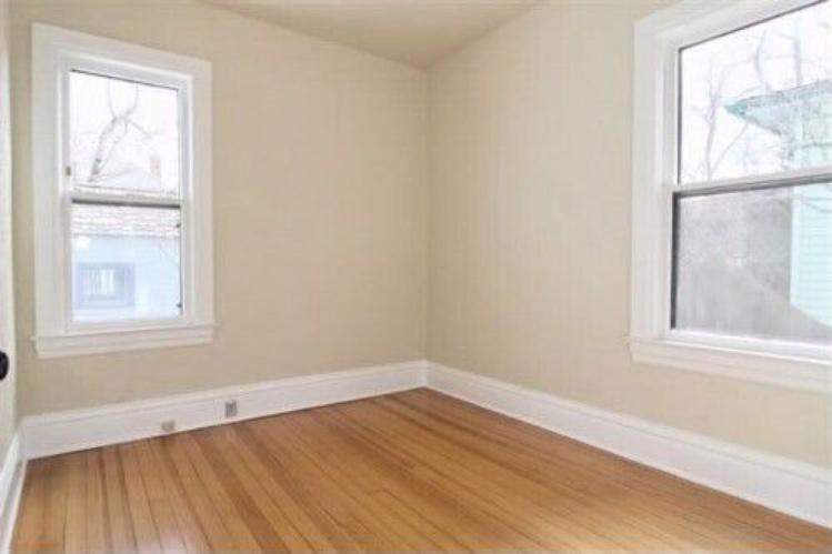 Corona-main-floor-bedroom-2