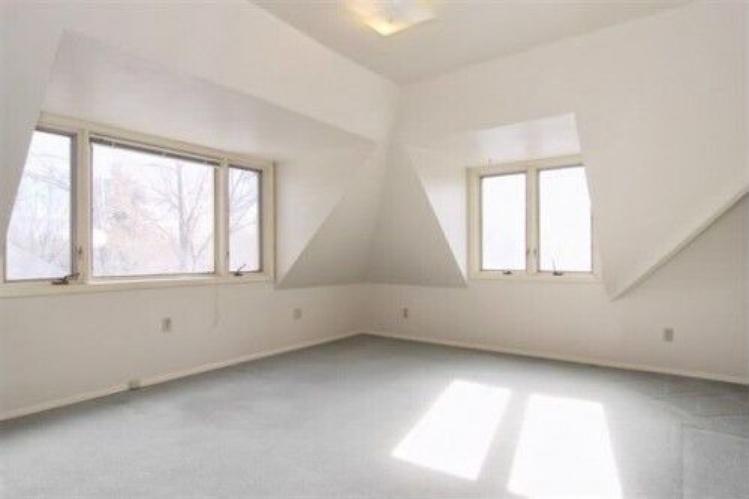 Corona-upstairs-bedroom-back