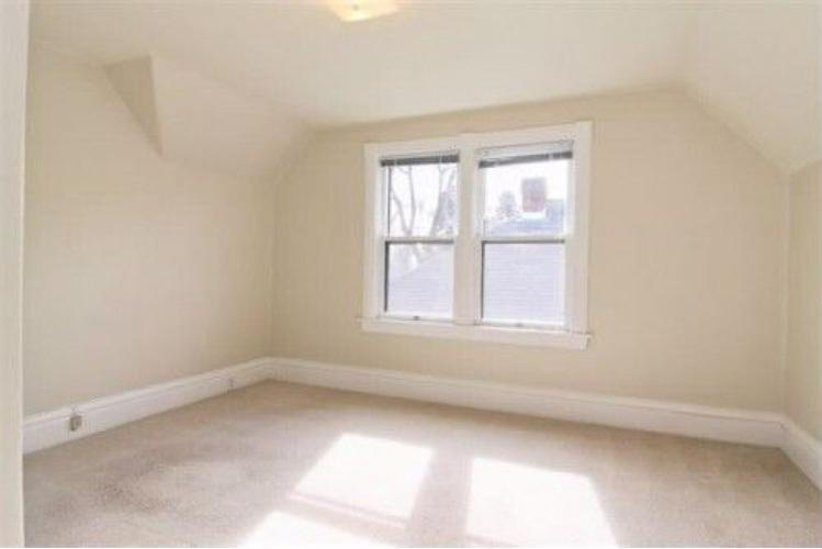 Corona-upstairs-bedroom