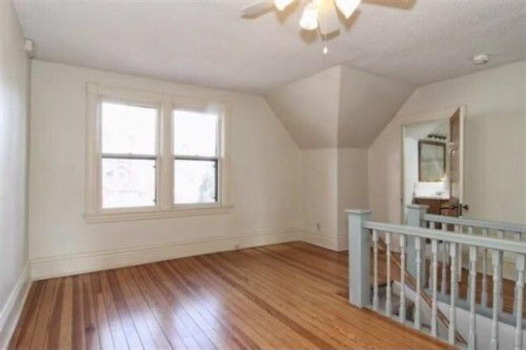 Corona-upstairs-sitting-area